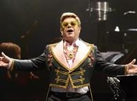 Elment Elton John hangja, félbe kellett szakítania a koncertjét