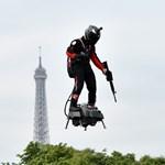 Már készülődik a francia feltaláló, vasárnap légdeszkával repülheti át a La Manche csatornát