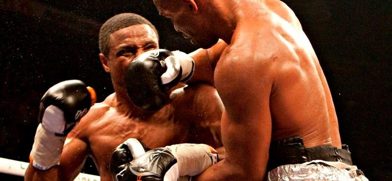 Videó: botrány és bírói blamázs a világbajnoki bokszmeccsen