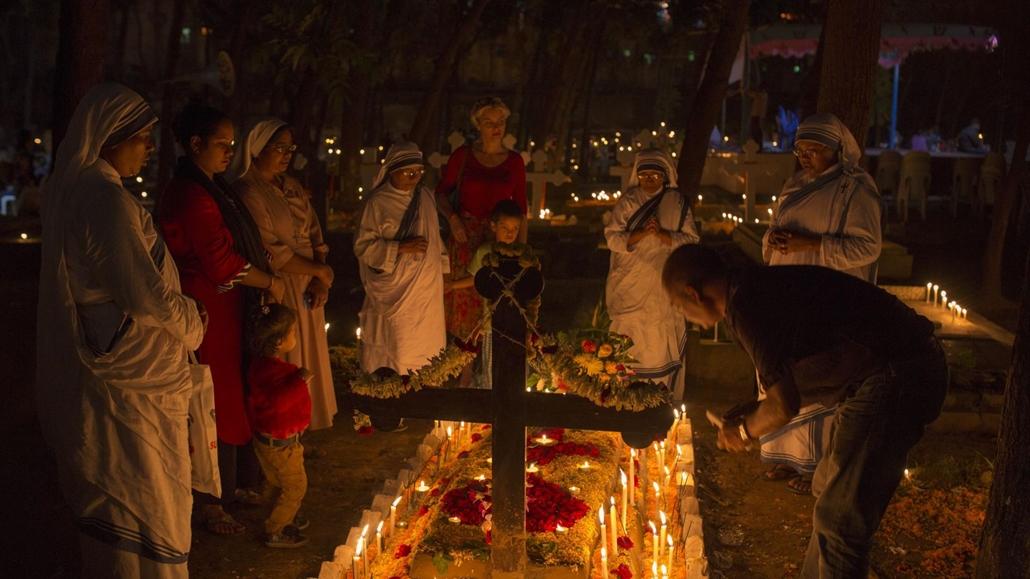 afp.17.11.02. Halottak napja mindenszentek nagyítás Bangladesi keresztények mindenszentek napján