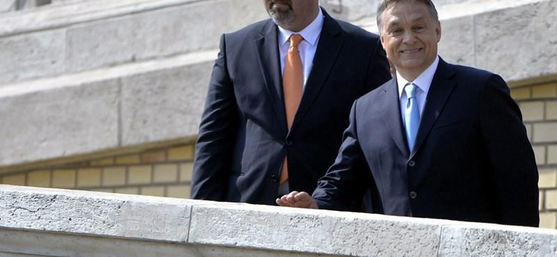 """Egy """"ellenbizottság"""" ellenőrizné, mit terveznek Orbánék a budai Várban"""