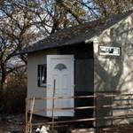 Új magyar találmány: szemétből épült, hordozható ház