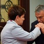 """Financial Times: Magyarország és Lengyelország """"ellenforradalomra"""" készül"""
