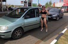 Egy benzinkút ingyen tankolást hirdetett a bikiniben érkezőknek, a férfiak megértették
