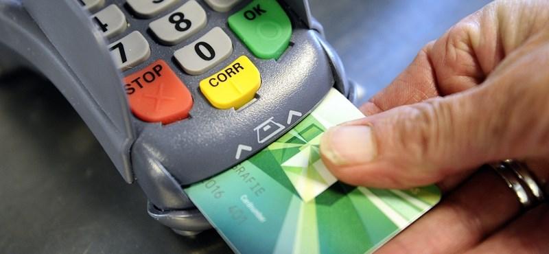 Végre nem von le pénzt a kártyás fizetésért a Posta