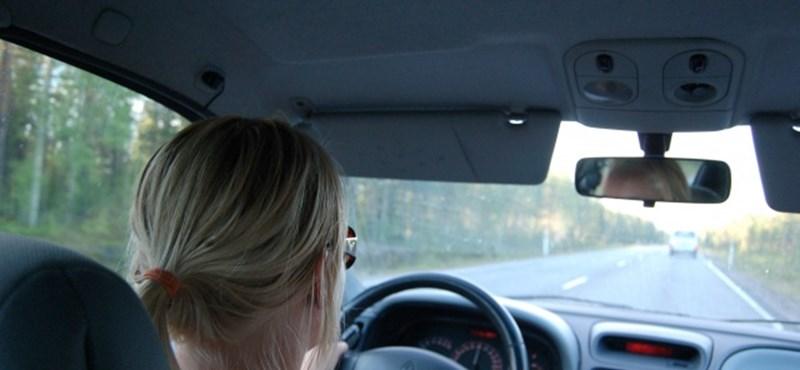 Zenét szokott hallgatni vezetés közben? Vigyázzon, sok szám veszélyes lehet