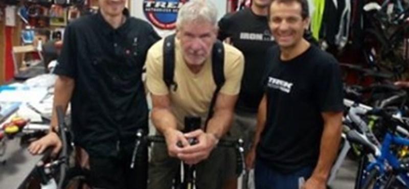 Utoljára még beugrott Harrison Ford a kedvenc bringásához