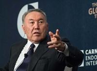 Váratlanul lemondott Nurszultan Nazarbajev kazah elnök