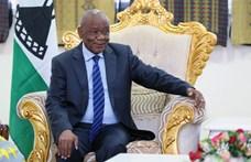 A két felesége között gyilkosságig fajuló vita miatt kell távoznia egy afrikai kormányfőnek