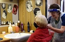 Nagy-Britannia legidősebb fodrásza 91 évesen sem tervezi, hogy nyugdíjba vonul