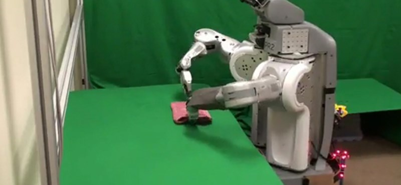Nagymosásban segít a robot