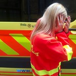 Szidalmazta, majd megpofozta a kiérkező mentősnőt