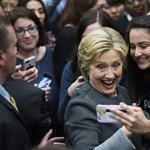 Tandíjmentes egyetemet ígér a szegényeknek Hillary Clinton