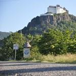 """A felújított Füzéri vár """"egy 21. századi rekonstrukciós hamisítvány"""""""