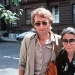 Újabb fotók kerültek elő az ágyban heverő John Lennonról és Yoko Onóról