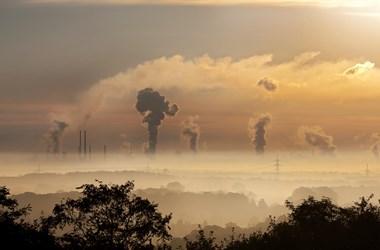 Az Európai Unió egy évnyi emissziójával csökkent tavaly a szén-dioxid-kibocsátás