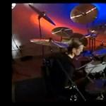 Így még nem dobolt senki, ahogy Bobby Jarzombek (videó)