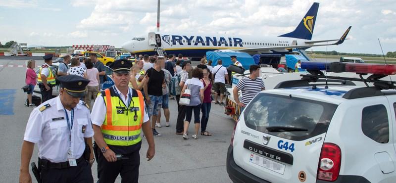 A Pesten maradt utasok perelnék a Ryanairt, a Fradi elnöke viszont elutazhatott