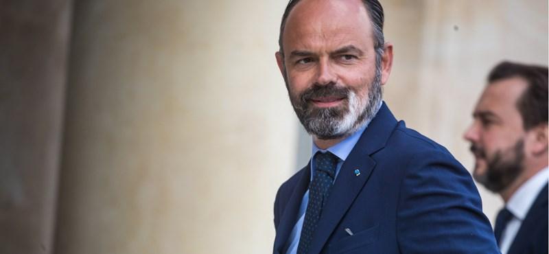 Lemondott a francia kormány