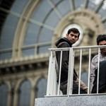 MÁV: Visszafizetjük a bevándorlókra rávert pótdíjat