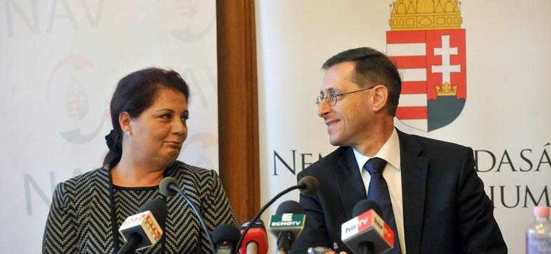 Versben rekonstruálták, hogy jutott eszébe Orbánnak az internetadó