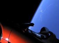 Megkerülte a Napot a Tesla autója