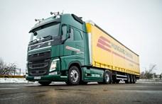 Újra az utakon egy zöld-sárga Volvo Hungarocamion