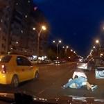 Taxis verekedés: így csinálják Bukarestben – videó