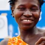 Csodával határos módon túlélte az ebolát egy újszülött kongói kislány