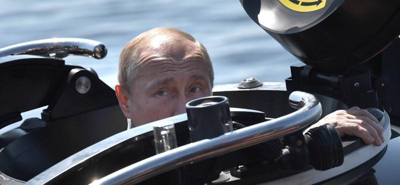 Az oroszok alig több, mint fele hiszi már csak el, hogy a hírekben igazat mondanak