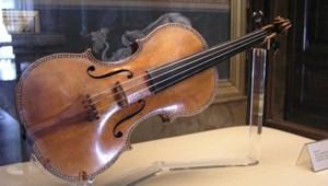 38 milliós hegedűt hagyott a buszon egy tajvani diák