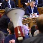 Megbüntette Kövér a lex CEU elfogadása előtt szirénázó képviselőt