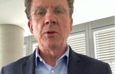 A volt brit nagykövet ismét magyarul szavalt – videó