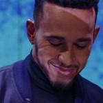 Abszolút itt az ünnepi szezon - Lewis Hamilton Adele számot zongorázik