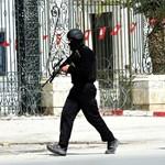 Túszdráma Tuniszban: turistákat ejtettek foglyul egy múzeumban