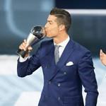 Orbán az argentin legenda mellett nézte végig, hogyan lesz negyedszerre is az év játékosa Cristiano Ronaldo