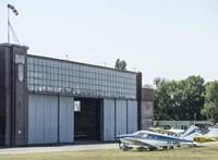 Havi 1,1 millió forintért lehet üzemeltetni a budaörsi repülőteret