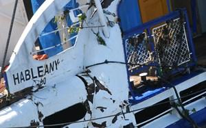 faz.19.06.11. A balesetben elsüllyedt Hableány turistahajó roncsát emeli ki a Clark Ádám úszódaru a Dunából a Margit hídnál 2019. június 11-én.