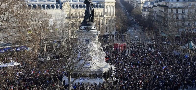 Másfél millióan lehettek a párizsi terrorellenes menetben