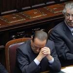 Bossi: távozzon Berlusconi