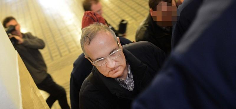Újfent lakhelyelhagyási tilalmat rendeltek el Simon Gáborral szemben