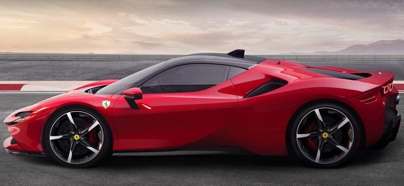 48 lóerő 1000 ellenében: így gyorsul hóban egy régi Fiat Panda és egy új Ferrari