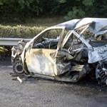 Mekkora pech kell, hogy egy kocsi balesetben kigyulladjon?