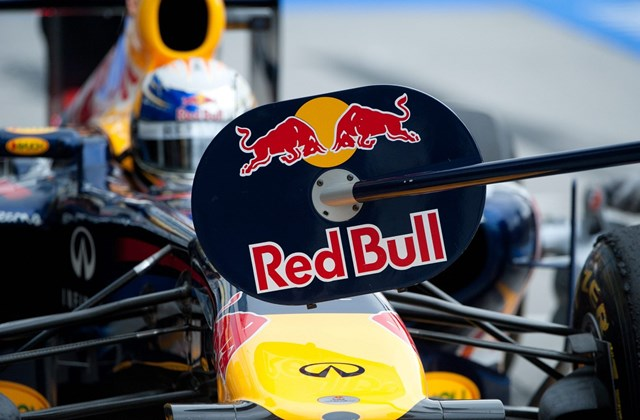 Vettel vág neki bemelegítő körének