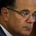Simor: az MNB nem hárítja tovább a tranzakciós adót