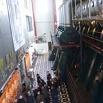 Durva hangja van: így indul el egy 22 500 lóerős dízelmotor – videó