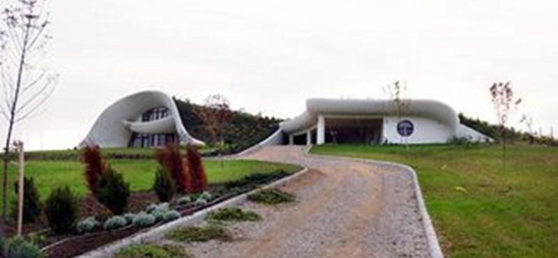 Magyar gömbház: föld alá rejtett luxus