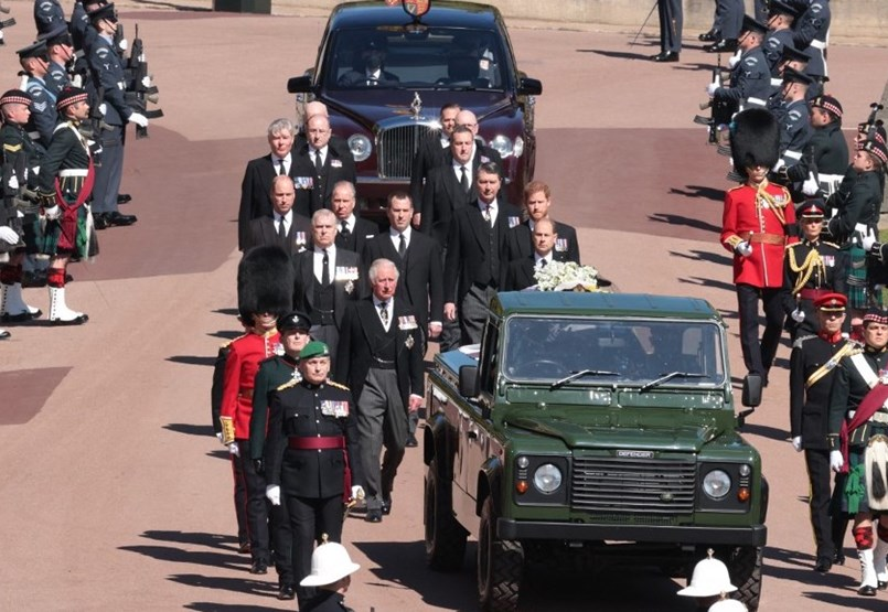 Nem akart nagy felhajtást: végső búcsút vesznek Fülöp hercegtől – percről percre