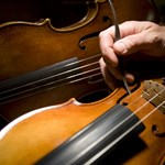 Visszaadta a megtaláló a hegedűművész Budapesten elhagyott hangszerét