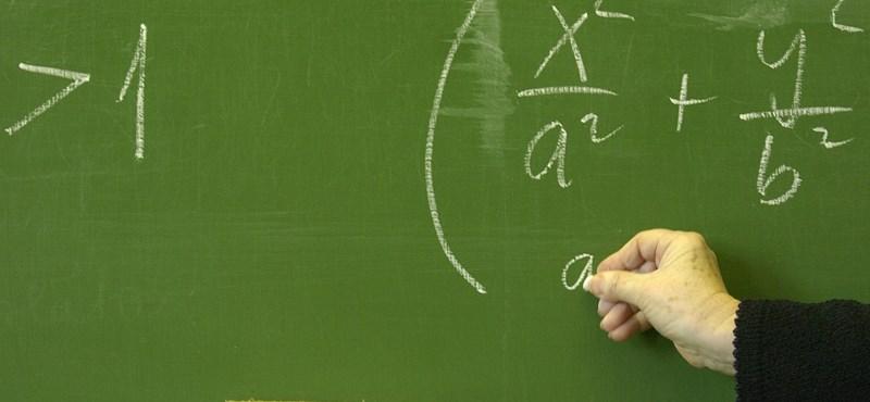 Bizonyítványt állítunk ki a magyar iskoláról